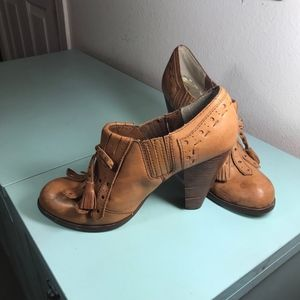 Seychelles Size 9 Leather Pumps  - Great Condition